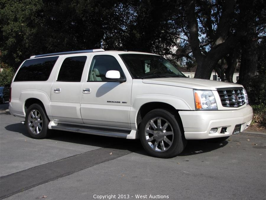 west auctions auction 2005 cadillac escalade esv. Black Bedroom Furniture Sets. Home Design Ideas