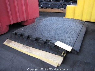 (7) Wearwell Rubber Work Mats 2'x2'