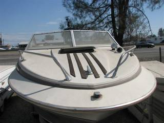 Larson 20ft Boat
