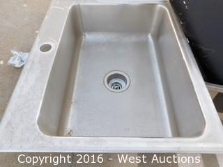 Pallet of (5) Stainless Steel Sinks