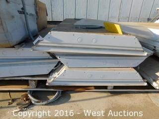 (5+) 4'x2' Fluorescent Light Fixtures