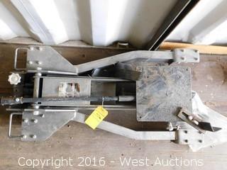 Pittsburg 2000 lb. Low-Profile Transmission Jack
