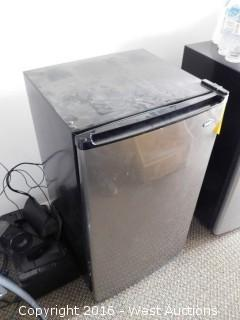 Sanyo Mini Fridge