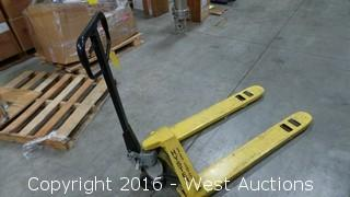 Hyster 2,500 Capacity Pallet Jack