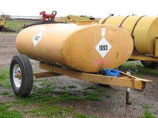 Fuel Tank on Single Axle Trailer