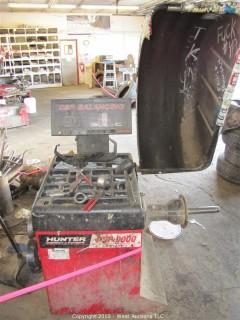 Hunter DSP 9000 Tire Balancer & Misc. Tools