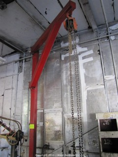 1-Ton Chain Hoist w/Metal Crane Stand