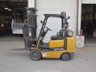 CATERPILLAR 4,000 lbs Forklift