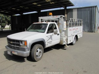 2000 Chevy 3500 HD Utility Truck w/ Stellar 3200 Crane & Eagle Lift Gate