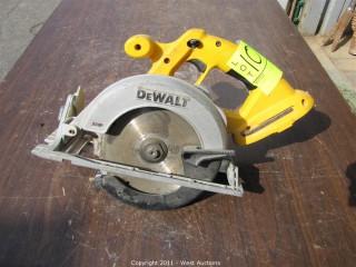 """DeWalt DC390 Cordless 6 1/2"""" Circular Saw"""