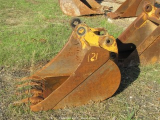 Backhoe Tooth Bucket