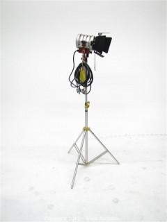 Mole Richardson Type 4821 Tweenie II Solarspot on Stand