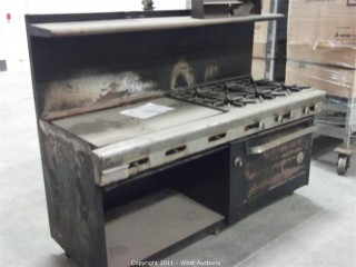 Industrial Range with Six Burners and Griddle