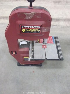 "Tradesman 9"" Two Wheel Bench Band Saw"