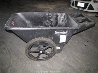 Rubbermaid Cart with 2 Wheels