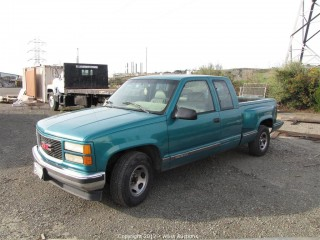 1995 GMC Sierra Pick-Up Truck