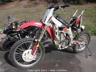 2004 Honda CRF450R Dirt Bike
