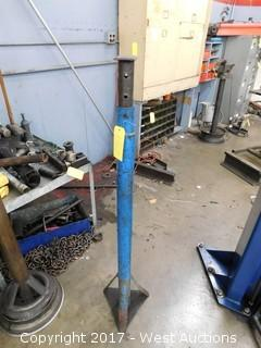 "(1) 48"" Adjustable Jack Stand"
