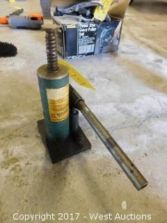 2-Ton Bottle Jack