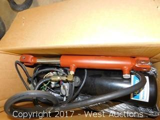 Haldex Barnes Hydraulics 12 Volt Hydraulic Pump with Ram