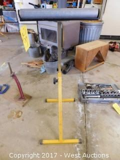 "Adjustable 14"" Roller Stand"