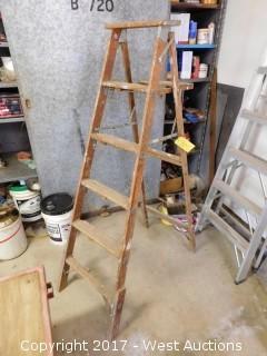 Wood 6' Ladder