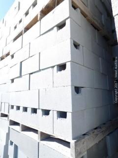 (1) Pallet of Masonry Block 8x8x16 BB Precision Block, LIghtweight Grey