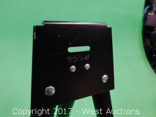 Boone Stand with Carrying Case