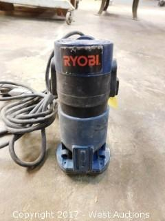 Ryobi TR3OU3 Router with Extra Trimmer Base