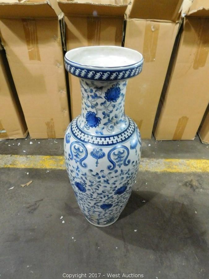 Auction #3: Complete Sellout of Kitchen Wares and Decor from Oriental Shop