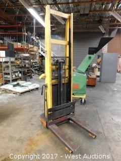 Big Joe 9977 S 1000 Capacity Electric Forklift