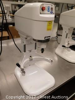 (1) Globe SP8 Countertop Mixer