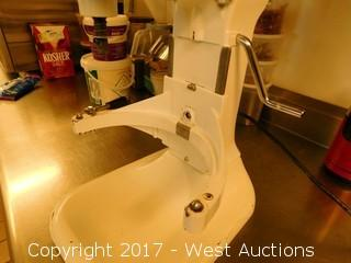 Globe SP8 8 Quart Commercial Countertop Mixer
