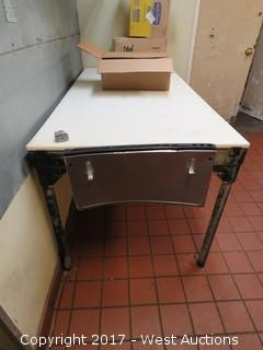 Poly Top Stainless Steel Cutting Table and Metro Wall Shelf
