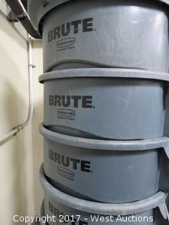 (5) 44 Gal Rubbermaid Brute Waste Containers On Wheels