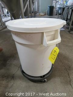 20 Gallon Rolling Huskee Container