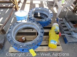 Pallet; (2) Garlock 206 Ez-Flo Fittings and (1) Hytork-1125 Unit
