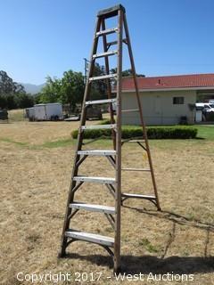 10' Husky Fiberglass Ladder