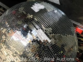 "40"" Mirror Ball with Case"