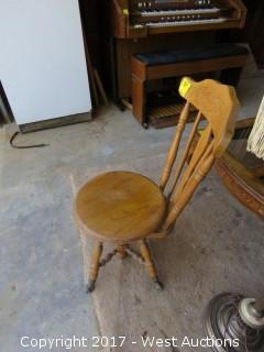 Piano Stool with Back Rest and Claw Ball Feet