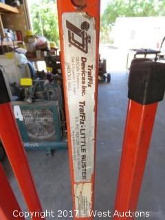 TraFix-Little Buster Road Construction Tripod