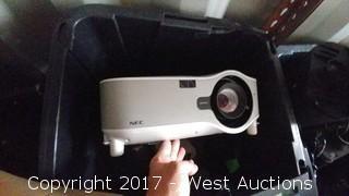 NEC NP1000 Projector