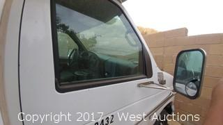 2002 Ford E-450 Box Van with Lift Gate