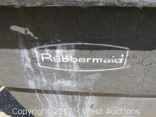 Rubbermaid Portable Bin