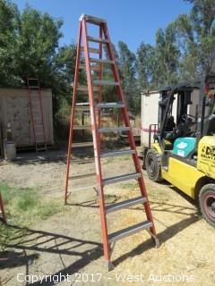 Louisville 10' Fiberglass Ladder