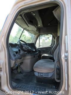 2009 Freightliner Cascadia Sleeper Cab Big Rig