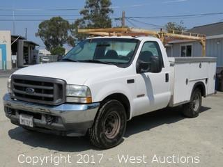 2004 Ford F-350 XL Super Duty Turbo Diesel Utility Truck