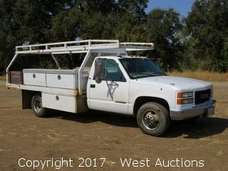 1999 GMC 3500 Flatbed Utility truck