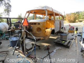 1976 Volkswagen Bus (Dismantled)