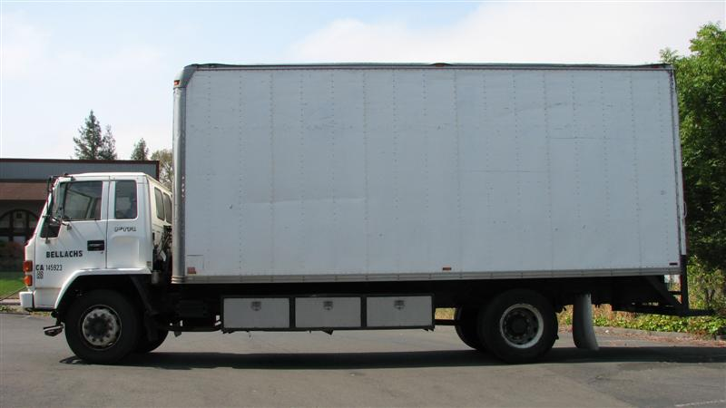 631f2ee7b1 West Auctions - Auction  Bellach s - Box Van Moving Trucks ITEM ...